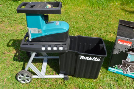 Unboxing Makita UD2500